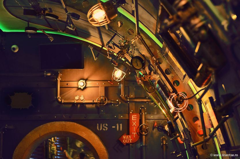Industrial-steampunk-Submarine-themed-pub18__880